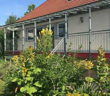 Großes Einfamilienhaus mit Einliegerwohnung und sep. Wohnung im Dachgeschoß
