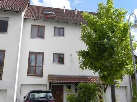 Reihenhaus in Bondorf mit guter Wohnfläche und Garage