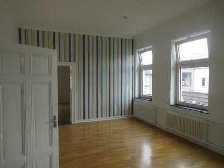 Großzügige 4,5 Raum Innenstadt-Wohnung mit großer Terrasse!