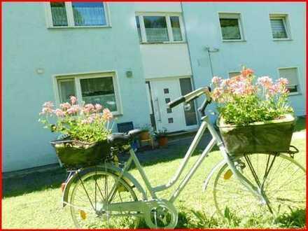4 Zi. EG-Wohnung mit eigenem Garten**Carport in Plochingen!