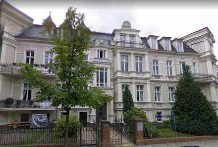 Exklusive 7-Zimmer Altbauwohnung in Lichterfelde