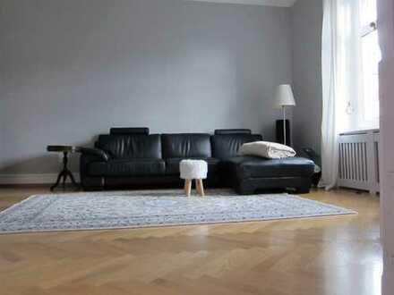 stillvolle Altbauwohnung mit modernem touch