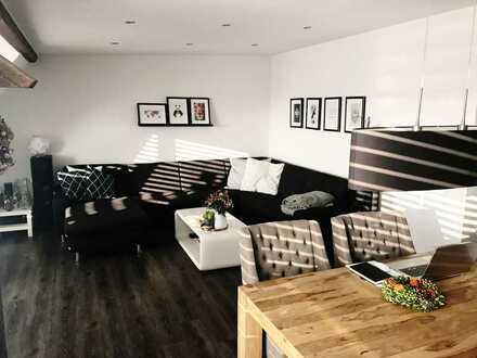 MG-Gründerzeitviertel: Saniertes Dachgeschoss mit Loggia und gehobener Ausstattung
