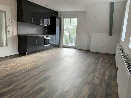 Erstbezug nach Sanierung: schöne 2-Zimmer-Wohnung mit Balkon in Kusel