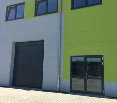 Attraktiver Neubau!! Kleine Gewerbehalle mit Büro