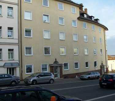 Günstige, sanierte 2-Zimmer-Wohnung mit Balkon in Plauen