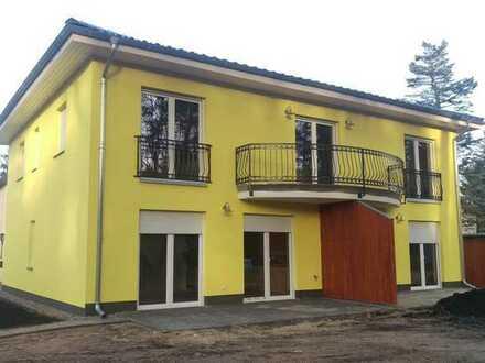Tolle 4 Zimmerwohnung mit großem Balkon und eigenem Garten