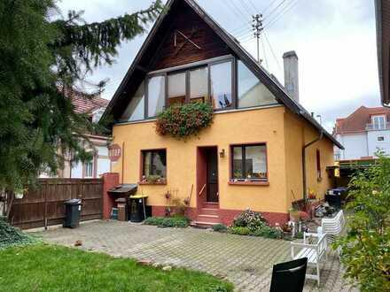 * Kaufpreis reduziert * 1-2 Familienhaus in Heidelberg- Kirchheim