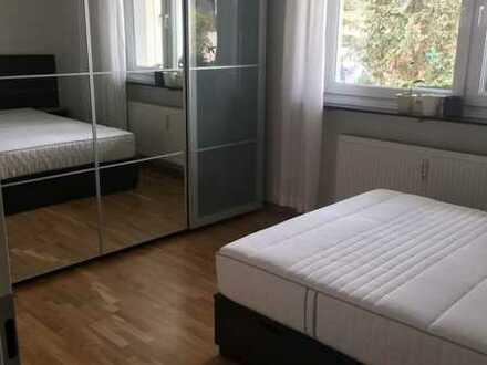 Möbliertes Zimmer in 2er WG in ruhiger Lage mit guter Anbindung, Autostellplatz und großzügiger Wohn
