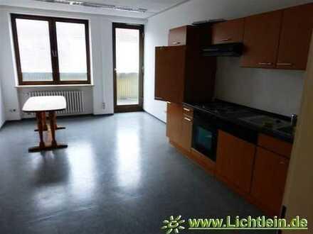 Stadtmitte Kitzingen, gr. Büro/Praxisflächen, Aufzug, Lagerraum, kurzfristig frei!!!
