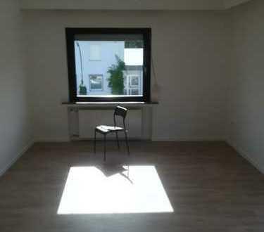 Sanierte 3-Zimmer-Wohnung mit großer Terasse und EBK in Longerich, Köln