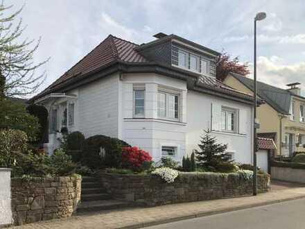 Schönes Einfamilienhaus mit Traumgarten und viel Platz für 3 Personen / 360° Besichtigung