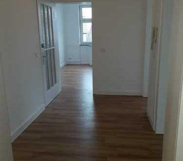 Erstbezug nach Sanierung: 5,5-Zimmer-Wohnung mit EBK und Balkon in Alsfeld