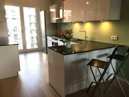 Helle und ruhige 4-Zimmer-Neubau-Wohnung mit Balkon in Bogenhausen