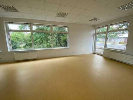 Eberswalde: Schönes Ladengeschäft mit Fensterfront in guter Lage