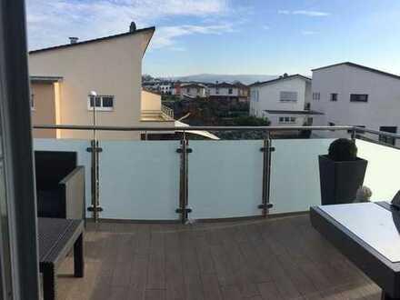 Exklusive, neuwertige 4-Zimmer-Wohnung mit Balkon und EBK in Ettenheim
