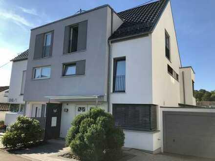 Luxuriöse Doppelhaushälfte mit Panoramablick in Ludwigsburg
