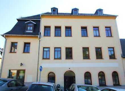Mehrfamilienhaus mit Gewerbefläche in guter Lage