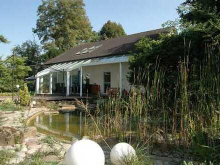 Modernes Einfamilienhaus mit Kamin, Galerie, offenem Wintergarten, Parkett, Sauna, Garage, 2 Bädern!