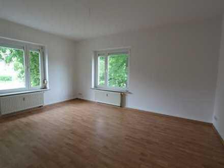 Große Wohnung in toller Lage mit Terrasse