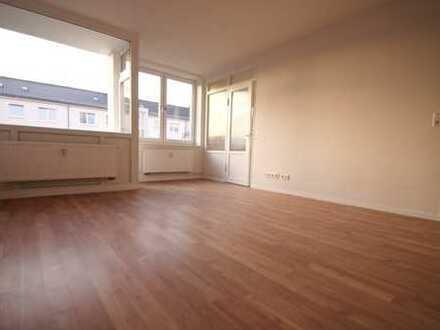Frisch sanierte 2-Zimmer Wohnung mit Balkon!!