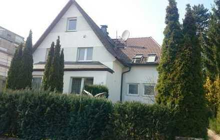 Großzügige 4 Zi Wohnung mit Wintergarten und Gartennutzung