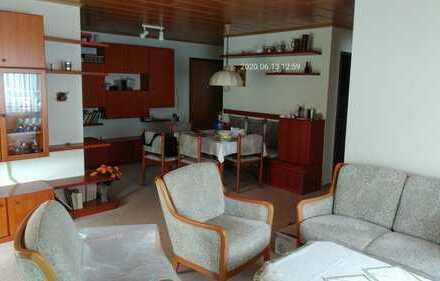Geschmackvolle 3-Raum-Erdgeschosswohnung mit Terasse und Einbauküche in Esslingen-Rüdern