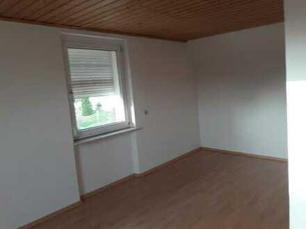 2-Zimmer-DG-Wohnung mit Einbauküche in Bad Bergzabern