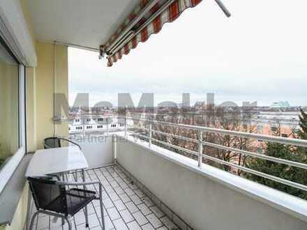 Über den Dächern Münchens: Sonnige 3,5-Zi.-Wohnung mit Balkon und TG-Stellplatz