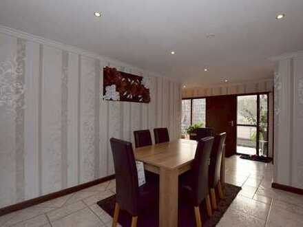 Großzügiges 2-Familienhaus nebst Halle mit 900m² in Braunschweig-Wenden.