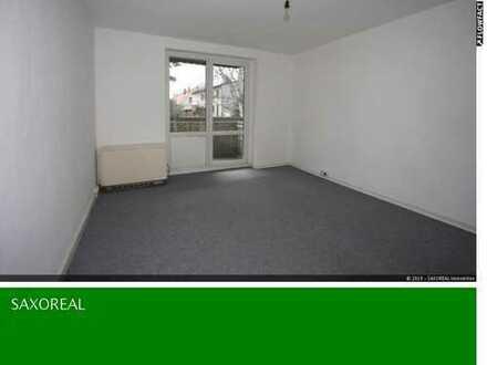 1 Raum Erdgeschosswohnung mit kleinem Balkon in Hähnichen!