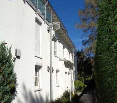 Ruhige 3,5 Zimmerwohnung mit kleinem Garten