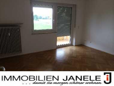Nur ein Katzensprung von Regensburg entfernt. Tolle 4-Zimmer-Wohnung mit Balkon und Garten