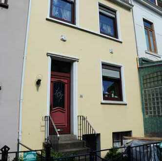 Gepflegte möblierte 2-Zimmer-Wohnung mit Balkon und Einbauküche in Bremen