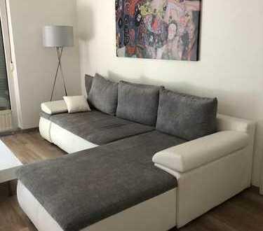 Schöne möblierte 2-Raum-Terrassenwohnung mit Einbauküche in Düsseldorf-Benrath
