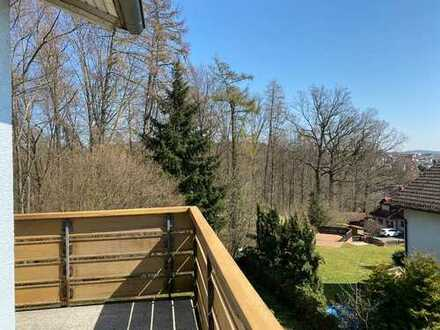 Ruhige 4-Zimmer-Wohnung mit Balkon am Waldrand
