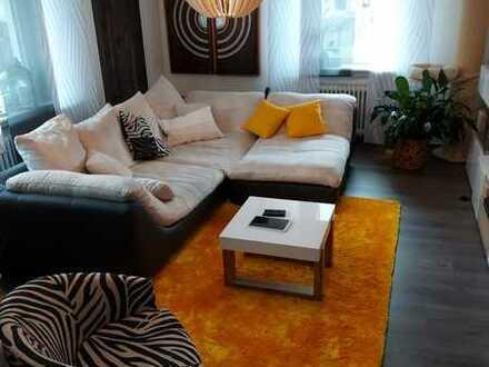 *HTR Immobilien GmbH* Schöne große 2-Zi.-Erdgeschosswohnung mit großem Garten, Garage