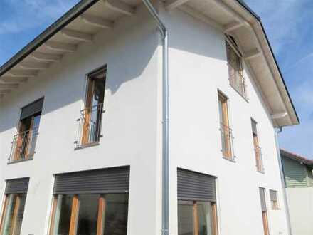 zentrale Doppelhaushälfte mit sechs Zimmern in Grafing bei München, Landkreis Ebersberg