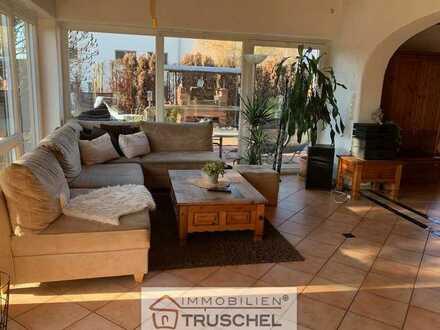 Wunderschönes Wohnhaus mit bis zu 3 Wohneinheiten auf großem Grundstück zu verkaufen!