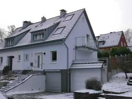 E-Heidhausen, modernis. DHH in Top-Lage, 123m² Wfl.+50m² Nfl., Grg, 2 Stellpl., Garten, Terrasse