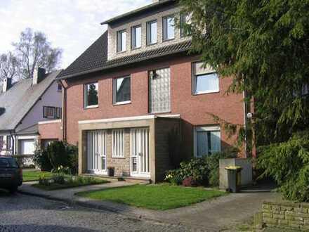 Großzügige Komfortwohnung (EG/UG) mit Terrasse, Garten und Garage in Top-Lage von Do-Gartenstadt