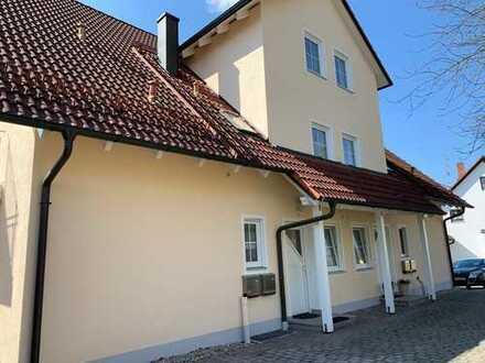 Gepflegte 3,5-Zimmer-Maisonette-Wohnung möbliert mit Balkon und Einbauküche in Furth
