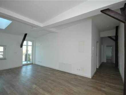 Bild_3,5 Zimmer im Dachgeschoss mit Balkon