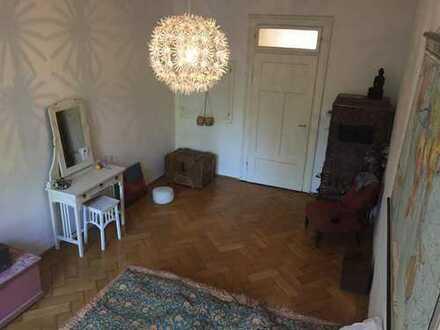 Zimmer in schönem Altbau, zentral in der Au mit Isarblick (Nur für weibliche Interessentinnen)