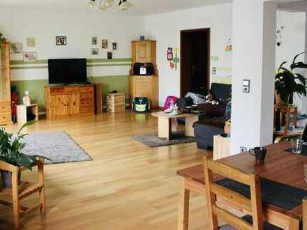 Freundliche 3,5-Zimmer-Wohnung mit Balkon und Einbauküche in Andernach