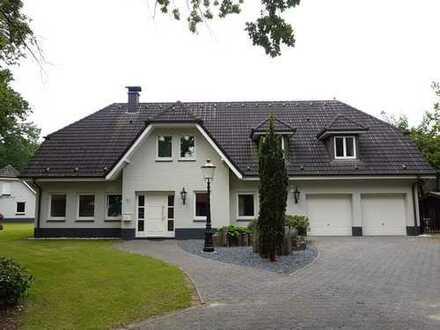 Stilvolle freistehende Villa mit 4 Garagen Gronau Epe Praxis Klinik Seniorenheim