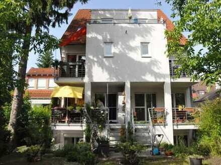 Exklusive 3,5-Zimmer-Maisonette-Wohnung mit Balkon und Einbauküche in MA-Wallstadt