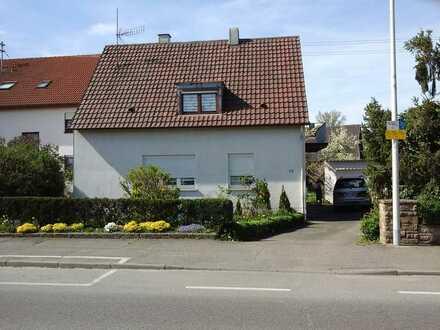 Modernisiertes 6-Zimmer-Einfamilienhaus mit EBK in Heilbronn Horkheim