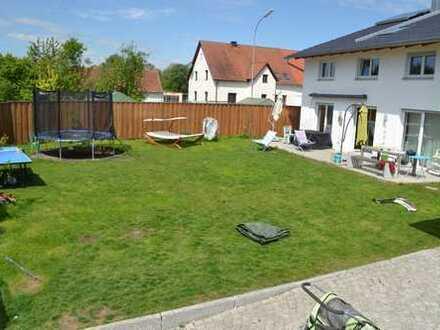 Modernes Einfamilienhaus mit großzügigem Garten und Raumangebot
