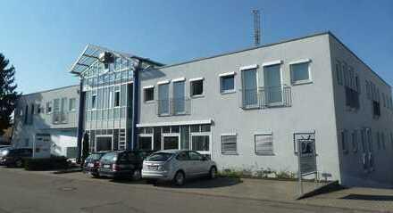 * KAPITALANLAGE * Architektonisch reizvolles Bürogebäude in etabliertem Gewerbegebiet